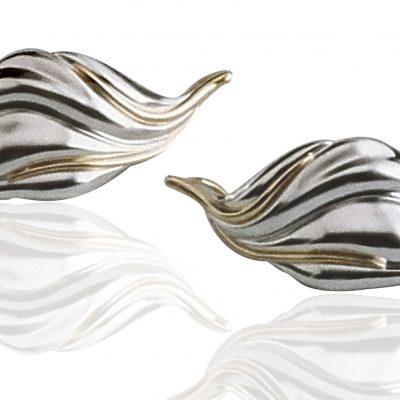 Crocus Earrings White Full Reflection Cropped